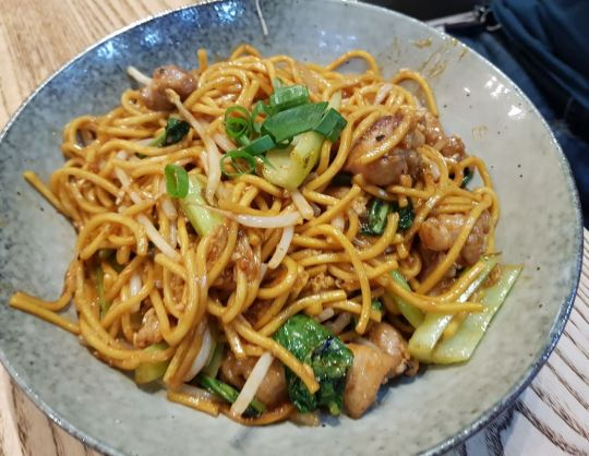 co mee goreng chicken
